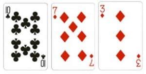 Value Ten Kombinasi dari 3 kartu dengan total jumlah kartu adalah 20 dan 30 dengan kartu Q J K memiliki nilai 10.