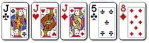 7 Three of a kind Kombinasi dari 3 kartu dengan angka yang sama dengan 2 kartu lainnya